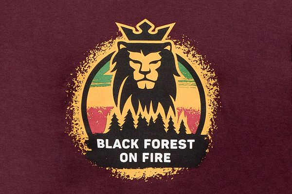 Black Forest On Fire Kids T-Shirt bordeaux